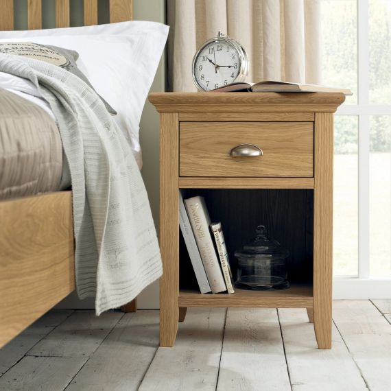Hampstead Oak 1 Drawer Bedside Table