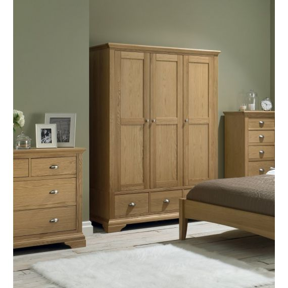 Hampstead Oak Triple Wardrobe with Drawers