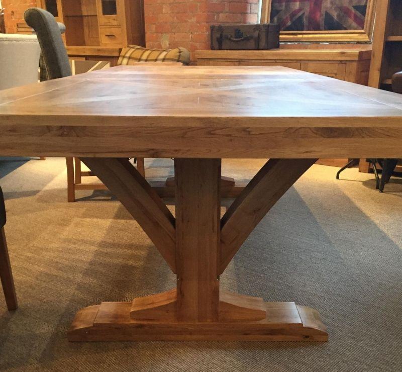 Bloomsbury Large Oak Ext Dining Table Trestle Base Oak Furniture Uk