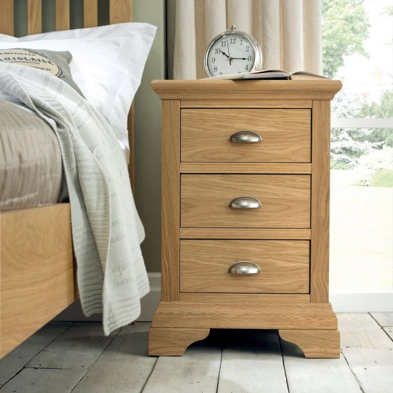 Hampstead Oak 3 Drawer Bedside Chest